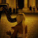 suonare l'arpa