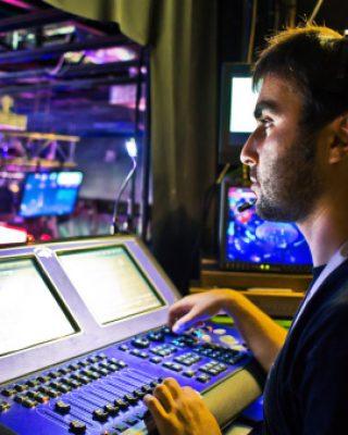 tecnico-del-suono-durante-un-live