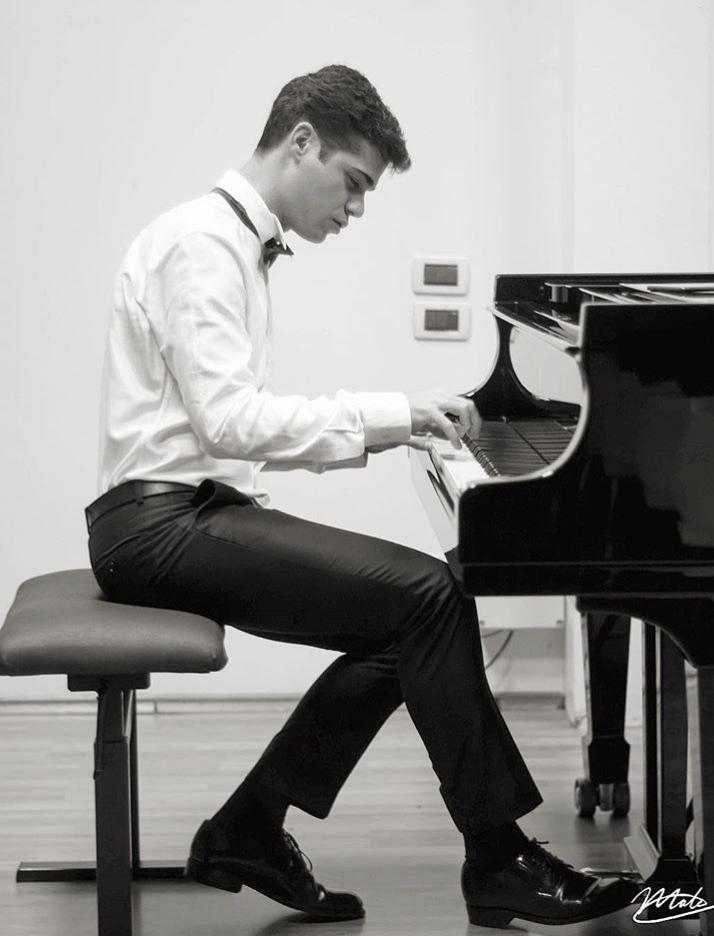 Emanuele Misuraca al pianoforte